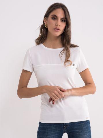 Jednostavna bijela majica